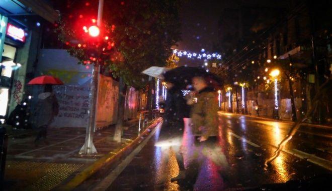 Προβλήματα απο πλημμυρες σε δρομους, ισογεια και υπόγεια σπιτια σε περιοχές της Αθήνας,  από τη χθεσινοβραδυνη καταιγίδα, Κυριακή 27 Νοεμβρίου 2016. (EUROKINISSI/ΓΙΩΡΓΟΣ ΚΟΝΤΑΡΙΝΗΣ)