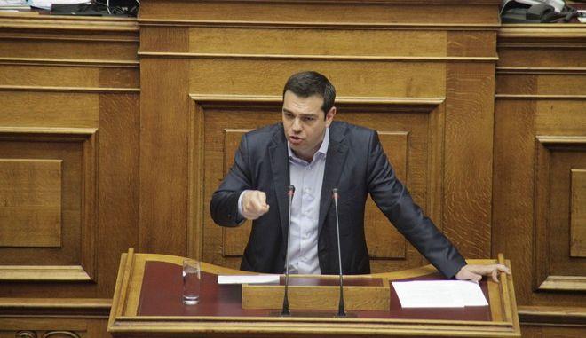Ώρα του πρωθυπουργού στην Βουλή την Παρασκευή 8 Μαΐου 2015. Ο Αλέξης Τσίπρας απάντησε στην Βουλή σε δύο επίκαιρες ερωτήσεις. Η πρώτη, του επικεφαλής του Ποταμιού Σταύρου Θεοδωράκη και αφορά στο θέμα των αλλαγών, που προωθεί η κυβέρνηση στην Παιδεία. Η δεύτερη επίκαιρη ερώτηση, κατατέθηκε από τον βουλευτή των ΑΝΕΛ, Νίκο Νικολόπουλο και αφορά στο θέμα της διαπλοκής. (EUROKINISSI/ΓΙΩΡΓΟΣ ΚΟΝΤΑΡΙΝΗΣ)