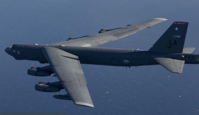 """Το """"ιπτάμενο φρούριο"""" B-52 των ΗΠΑ πέταξε πάνω από το Αιγαίο μέχρι την Κύπρο"""