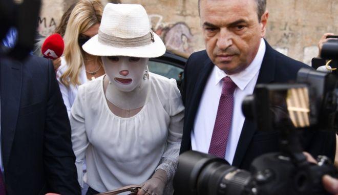 Η Ιωάννα Παλιοσπύρου και ο δικηγόρος της, Σάκης Κεχαγιόγλου