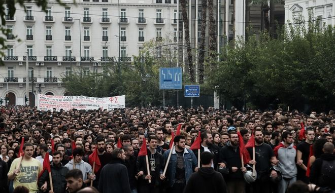 Lockdown και Πολυτεχνείο: Η κυβέρνηση ζητά να μη γίνει πορεία, το ΚΚΕ επιμένει α λα Πρωτομαγιά