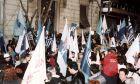 Κάλπη-κες ιστορίες: Το θρίλερ του 2000, όταν τα exit poll έβγαλαν για μερικές ώρες λάθος κυβέρνηση
