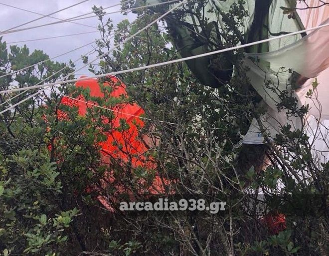 Πτώση αεροσκάφους στην Σπάρτη, νεκρός ο πιλότος