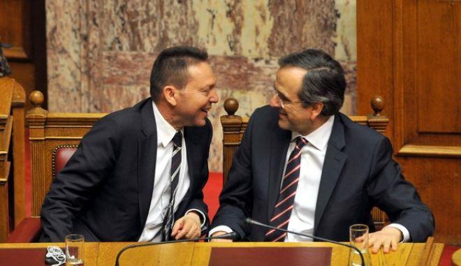 Στιγμιότυπο από την συζήτηση και επεξεργασία του πολυνομοσχεδίου του υπουργείου Οικονομικών, που αφορά στην εφαρμογή των προβλεπόμενων από το 2ο και το 3ο Μνημόνια, καθώς και από το Ν. 4093/2012 για την κινητικότητα στο Δημόσιο Τομέα, την Κυριακή 28 Απριλίου 2013. (EUROKINISSI/ΑΝΤΩΝΗΣ ΝΙΚΟΛΟΠΟΥΛΟΣ)