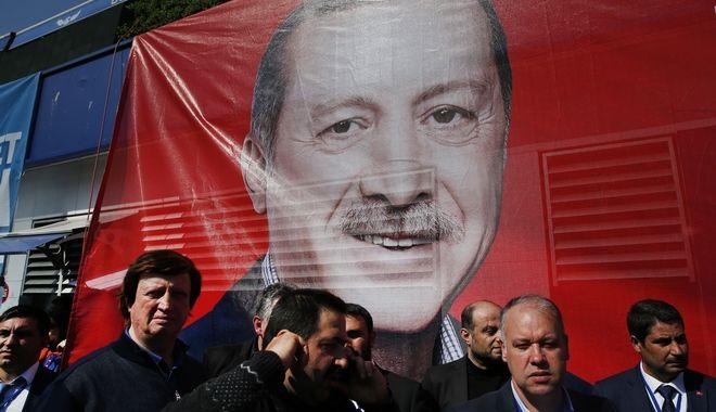 Δημοψήφισμα στην Τουρκία: Ο Σουλτάνος είναι γυμνός