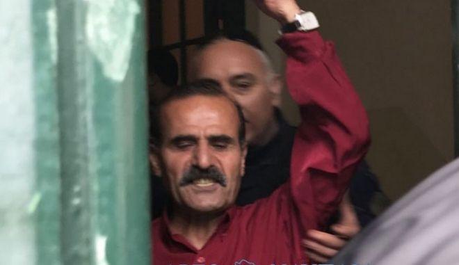 Ο Τούρκος συνδικαλιστής μετά τη δίκη στο Εφετείο Ναυπλίου