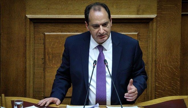 Ο υπουργός Υποδομών και Μεταφορών Χρήστος Σπίρτζης στη Βουλή
