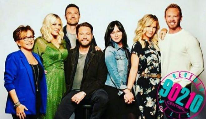 Το καστ του Beverly Hills 90210 σε φωτογράφηση για το reboot