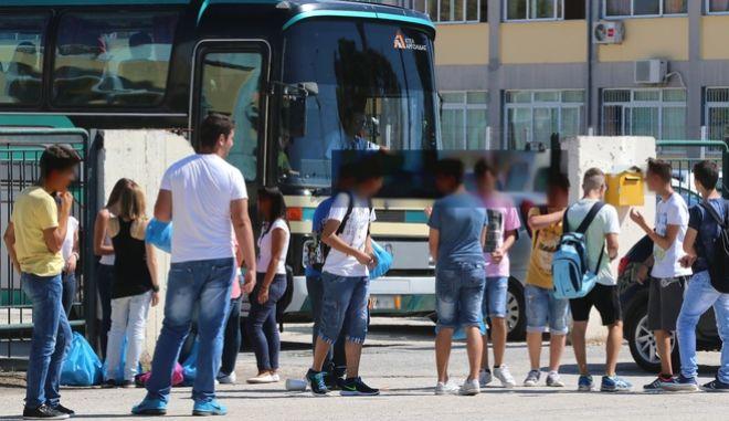 Μεταφορά μαθητών με λεφωφορείο των ΚΤΕΛ (αρχείο)
