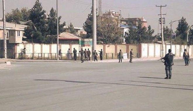 Εισβολή ενόπλων σε τηλεοπτικό σταθμό του Αφγανιστάν - Αναφορές για θύματα