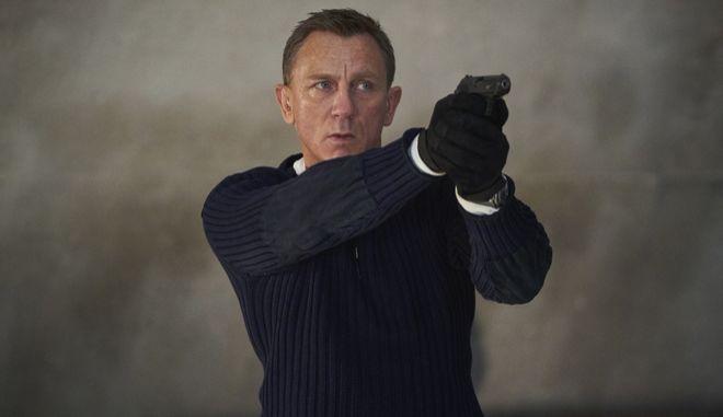Ο ηθοποιός Daniel Craig στον ρόλο του James Bond