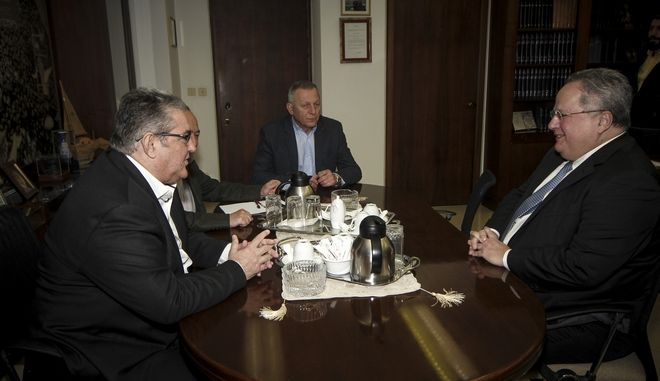 Συνάντηση του υπουργού Εξωτερικών Νίκου Κοτζιά με τον Γενικό Γραμματέα της ΚΕ του ΚΚΕ Δημήτρη Κουτσούμπα, στον Περισσό την Μεγ. Δευτέρα 2 Απριλίου 2018. Η συνάντηση εντάσσεται στον κύκλο επαφών με τους αρχηγούς των κομμάτων του Νίκου Κοτζιά όπου τους ενημέρωσε για τις συζητήσεις στη Βιέννη για το Μακεδονικό. (EUROKINISSI/ΣΩΤΗΡΗΣ ΔΗΜΗΤΡΟΠΟΥΛΟΣ)