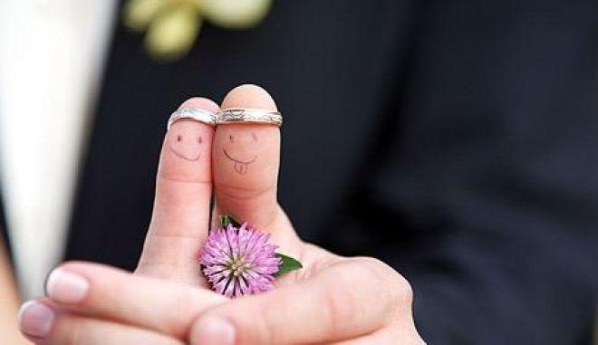 Πιστοποιητικά γάμου και βάπτισης με ένα 'κλικ'