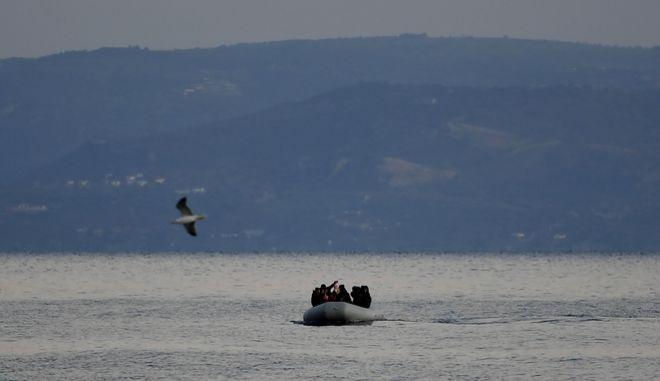 Μετανάστες από την Τουρκία φτάνουν στην Ελλάδα (φώτο αρχείου)