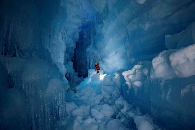 Το σπήλαιο που βρέθηκε από Ουκρανούς στην Ανταρκτική