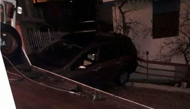 Λαμία: Απίστευτο - Είδε φορτηγό και αυτοκίνητο να μπαίνουν στην αυλή του!