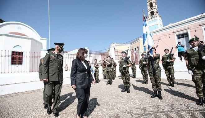 Επίσκεψη της ΠτΔ Αικατερίνης Σακελλαροπούλου στο Καστελλόριζο στο πλαίσιο των εορτασμών για την 77η επέτειο για την απελευθτέρωση του νησίου την Κυριακή 13 Σεπτεμβίου 2020 . (EUROKINISSI / ΓΡΑΦΕΙΟ ΤΥΠΟΥ ΠΡΟΕΔΡΙΑ ΔΗΜΟΚΡΑΤΙΑΣ / ΘΟΔΩΡΗΣ ΜΑΝΟΛΟΠΟΥΛΟΣ)