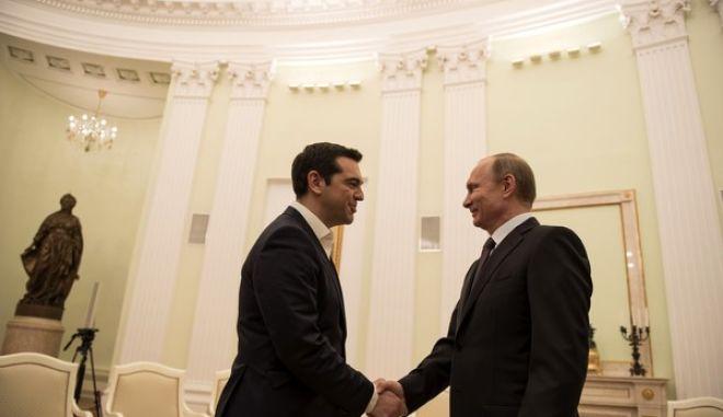 Συνάντηση του πρωθυπουργού Αλέξη Τσίπρα με τον Πρόεδρο της Ρωσίας Βλαντιμίρ Πούτιν την Μεγ. Τετάρτη 8 ΑΠριλίου 2015, στην Μόσχα. (ΓΡ. ΤΥΠΟΥ ΠΡΩΘΥΠΟΥΡΓΟΥ/ANDREA BONETTI/EUROKINISSI)