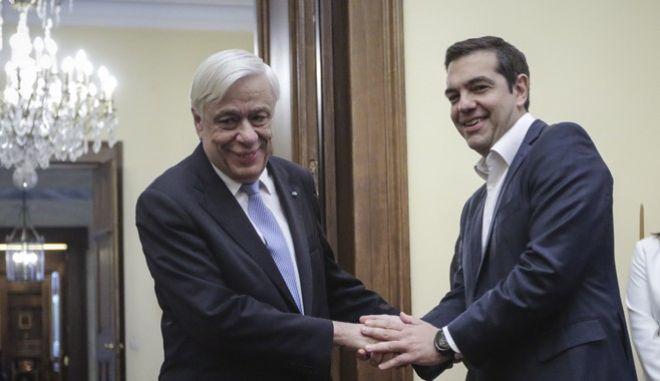 Φωτό αρχείου:  Ο Πρόεδρος της Δημοκρατίας Προκόπης Παυλόπουλος και ο πρωθυπουργός Αλέξης Τσίπρας στο Προεδρικό Μέγαρο