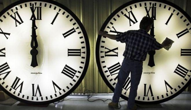 Η αλλαγή της ώρας προκαλεί σύγχυση στο σώμα και κινδύνους για την υγεία