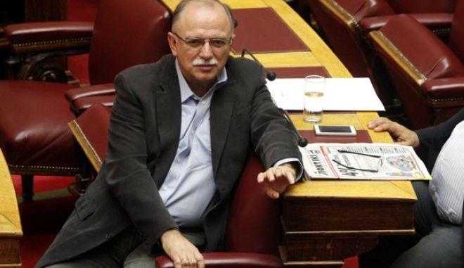 Οι βουλευτές του ΣΥΡΙΖΑ Νίκος Βούτσης και Δημήτρης Παπαδημούλης στην Βουλή την Παρασκευή 2 Νοεμβρίου 2012. (EUROKINISSI/ΓΙΩΡΓΟΣ ΚΟΝΤΑΡΙΝΗΣ)