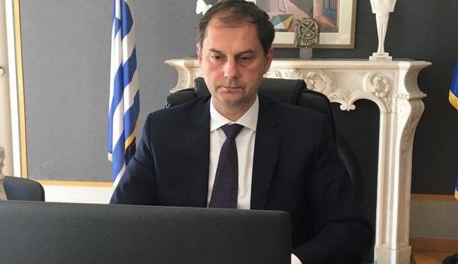 Ο υπουργός Τουρισμού Χάρης Θεοχάρης