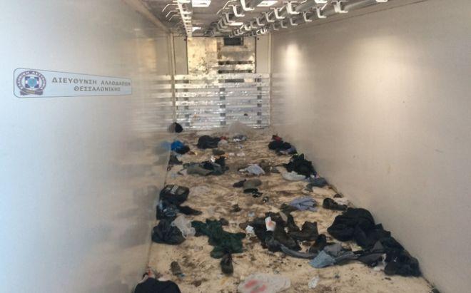 Συνελήφθη διακινητής που μετέφερε από τον Έβρο δεκάδες μετανάστες στριμωγμένους σε κρύπτη φορτηγού