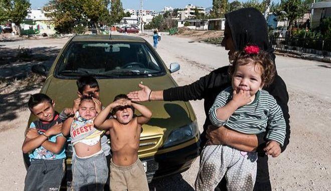 """""""Ναι"""" στη μετεγκατάσταση του καταυλισμού των Ρομά από το Νομισματοκοπείο στο όρος Πατέρα"""