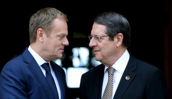 Ο πρόεδρος του Ευρωπαϊκού Συμβουλίου Ντόναλντ Τουσκ και ο Κύπριος πρόεδρος Νίκος Αναστασιάσης