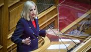 Η πρόεδρος του ΚΙΝΑΛ Φώφη Γεννηματά στη συζήτηση στον Ολομέλεια της Βουλής για το εργασιακό νομοσχέδιο