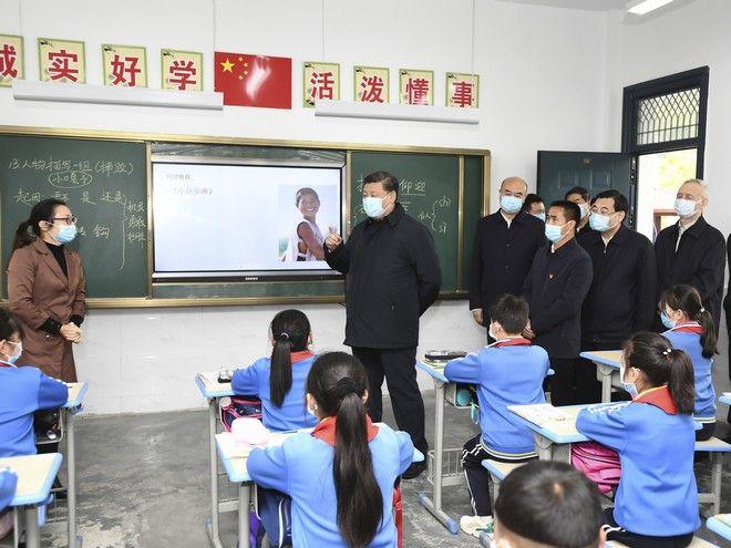 Οι μαθήτες επέστρεψαν στα σχολεία της Κίνας