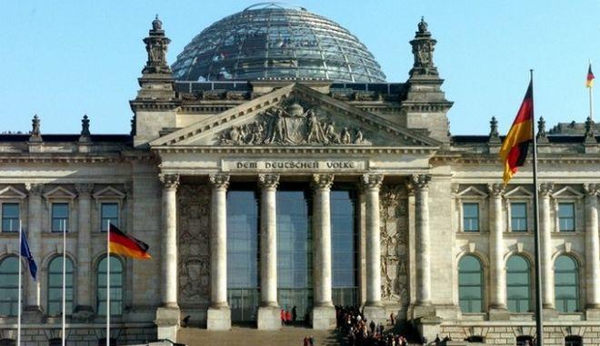 Το πλεόνασμα της Γερμανίας αγγίζει τα 14 δις ευρώ
