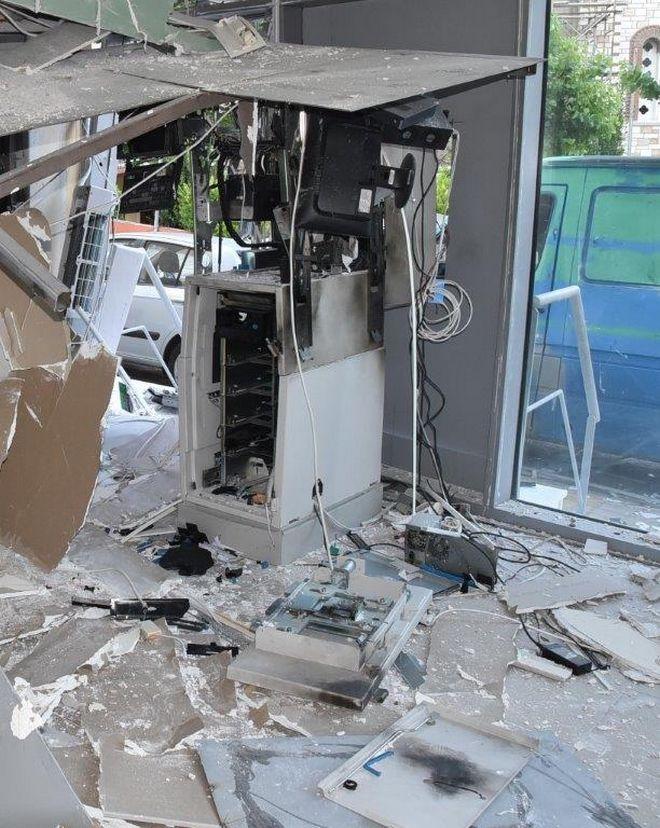 Εξαρθρώθηκε σπείρα διαρρηκτών που ανατίναζε ΑΤΜ με τη μέθοδο PLOFKRAAK