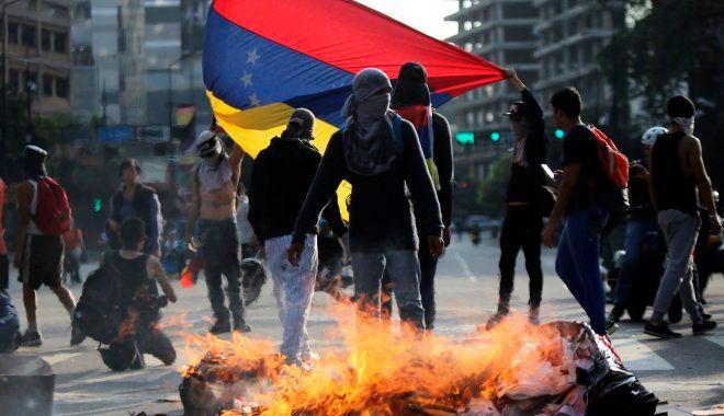 'Σκοτώνουν για ένα κινητό': Ελληνίδα που έζησε 35 χρόνια στη Βενεζουέλα περιγράφει