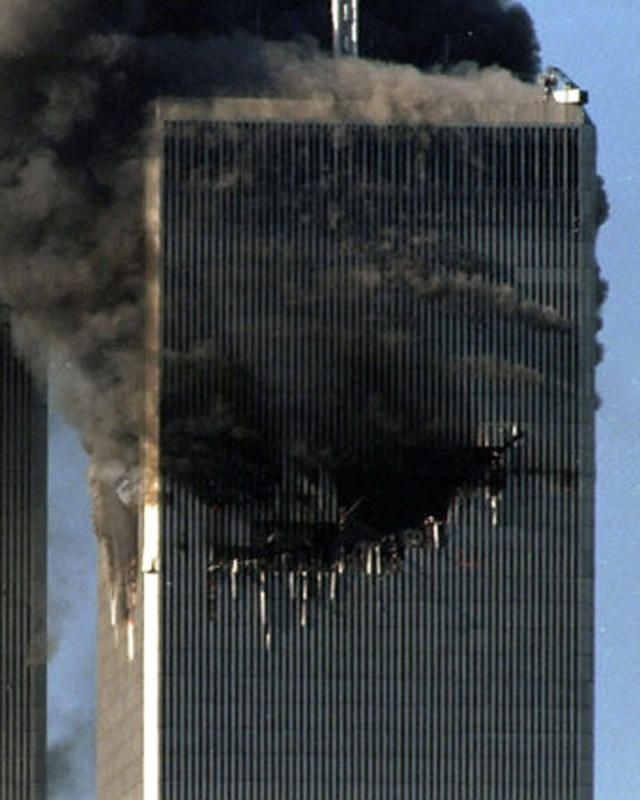 **NEVER BEEN PUBLISHED PHOTOS**  The World Trade Center is attacked by terrorists.  Photo By Debra L Rothenberg/Freelance   Original Filename: 9-11_DLR-008.JPG