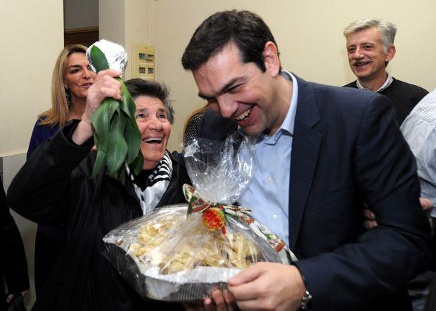 ΚΑΛΑΝΤΑ ΠΡΩΤΟΧΡΟΝΙΑΣ ΣΤΟΝ ΠΡΟΕΔΡΟ ΤΟΥ ΣΥΡΙΖΑ ΑΛΕΞΗ ΤΣΙΠΡΑ . Τρίτη 31 Δεκ. 2013. (EUROKINISSI/ΑΝΤΩΝΗΣ ΝΙΚΟΛΟΠΟΥΛΟΣ)