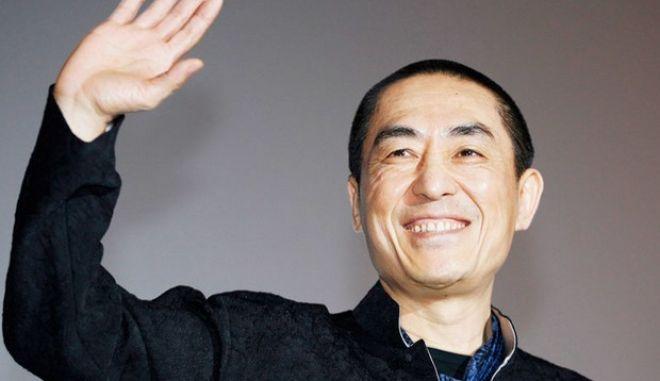 Κίνα: Ο σκηνοθέτης Ζανγκ Γιμού ζήτησε συγγνώμη επειδή παραβίασε την πολιτική του ενός παιδιού και απέκτησε τρία