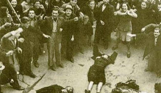 Μηχανή του Χρόνου: Το ματωμένο συλλαλητήριο. Η πλατεία Συντάγματος μετατρέπεται σε σφαγείο