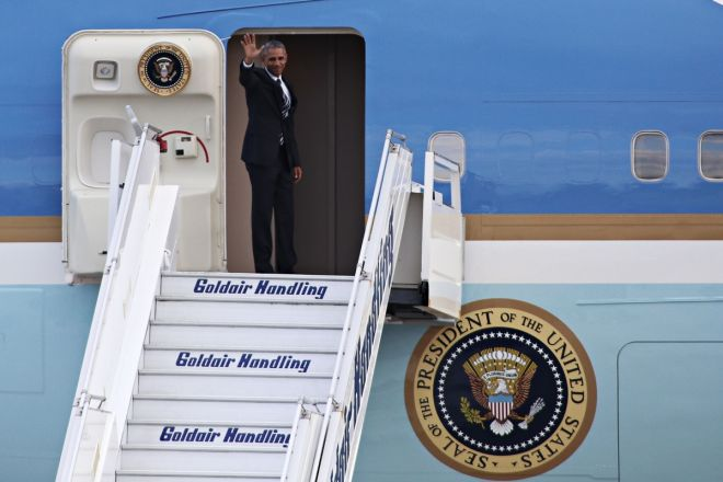 US President Barack Obama departs from Athens International airport Eleftherios Venizelos, Athens, Greece on November 16, 2016. / A       . , , 16 , 2016