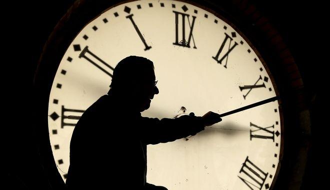 Ο άνθρωπος και το κυνήγι του χρόνου