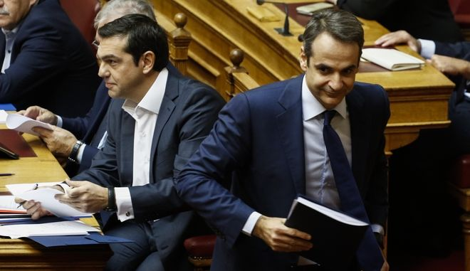 Σε επίκαιρη ερώτηση του προέδρου της Αξιοματικής Αντιπολίτευσης ΝΔ κ. Κυριάκου Μητσοτάκη για θέματα ασφάλειας απαντά ο πρωθυπουργός Αλέξης Τσίπρας στην «ώρα του πρωθυπουργού», σήμερα, 3 Νοεμβρίου 2017.(EUROKINISSI / Γιώργος Κονταρίνης)
