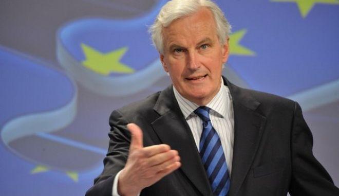 """Μπαρνιέ: Δεν κινδυνεύουν με """"κούρεμα"""" όσοι έχουν καταθέσεις έως 100.000 ευρώ"""