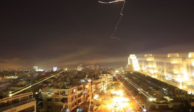 Αεροπορικές επιδρομές των ΗΠΑ, Γαλλίας, Βρετανίας στη Συρία