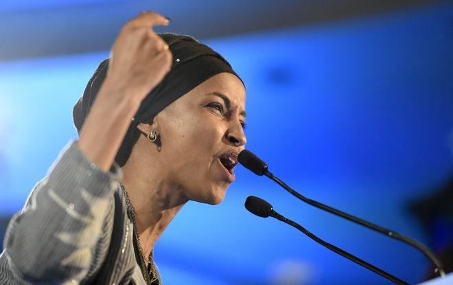 Η Σομαλή Ιλάν Ομάρ, μία από τις δύο πρώτες εκλεγμένες γυναίκες Μουσουλμάνες στην ιστορία του Κογκρέσου