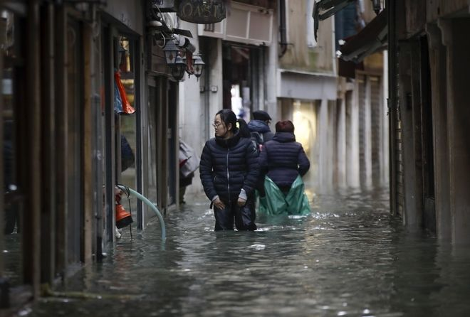 "venice6 - Βενετία: Εικόνες αποκάλυψης - ""Θάλασσα"" έγινε η πλατεία του Αγίου Μάρκου"