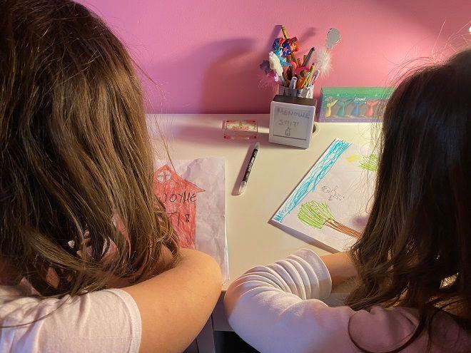 Θεσσαλονίκη: Παιδιά βάζουν χρώμα στον κορονοϊό