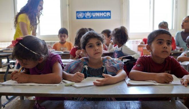 Ούτε φωνές, ούτε απειλές: Μαθήματα φιλοξενίας σε Δημοτικό στο Χαΐδάρι