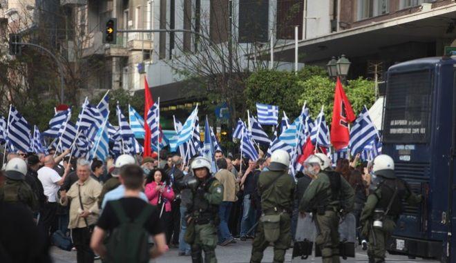 Επεισόδια στον Πειραιά: Ακροδεξιοί της Λαϊκής Ελληνικής Πατριωτικής Ένωσης επιχείρησαν να εισέλθουν στο λιμάνι