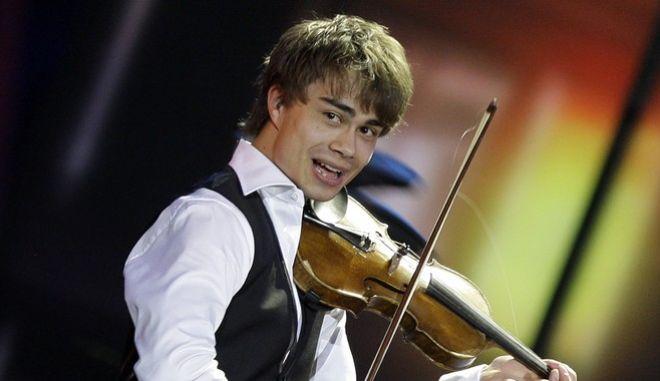 Ο Alexander Rybak στη Eurovision του 2009. (AP Photo/Sergey Ponomarev)