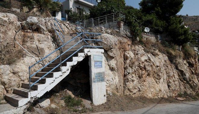 Εξιχνιάστηκε φρικτό έγκλημα στο Πέραμα - Σκότωσε τον νονό του για να τον ληστέψει